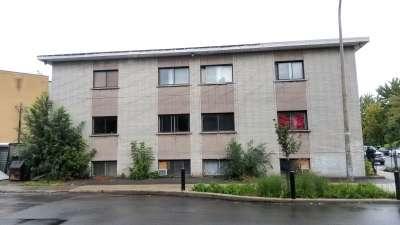 8105-Notre-Dame-E-Mercier.jpg